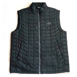 Men's MEDIUM The North Face Vest